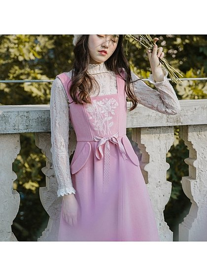 Pink Dreamland Flowers' Embroidered Pockets Sundress by HuaJianShang