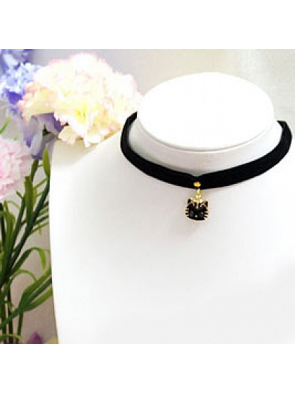 Kitten head Velvet Choker