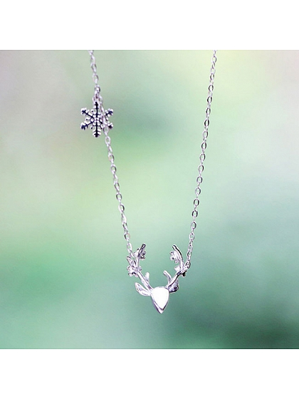 Antlers Plum Blossom Necklace