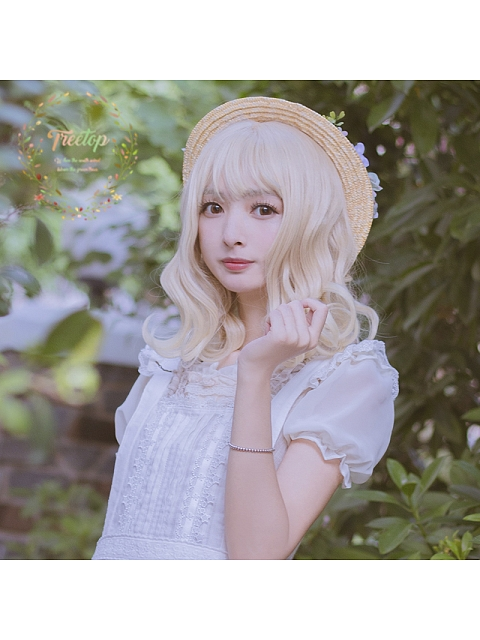 Luce Blond Wavy Shoulder-length Synthetic Wig by Treetop