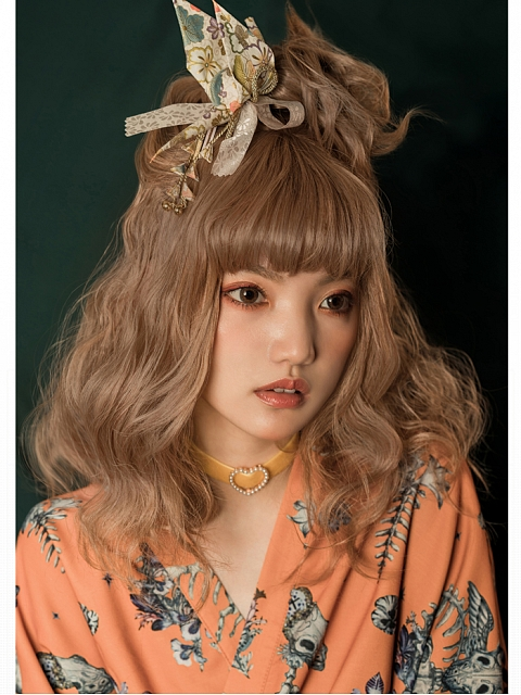 Lily-Chou Wavy Medium-length Synthcetic Wig by Vanyar