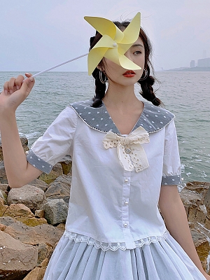 The Conch Lolita Matching Brooch by Miss Point