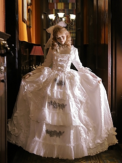 Made-to-Order Vintage Wedding Dress - Queen Mary by Souffle Song