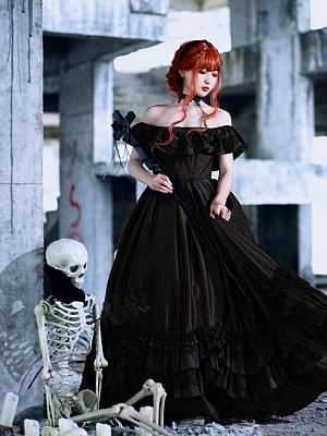 Made-to-Order Gothic Gorgeous Vintage Dress by Souffle Song