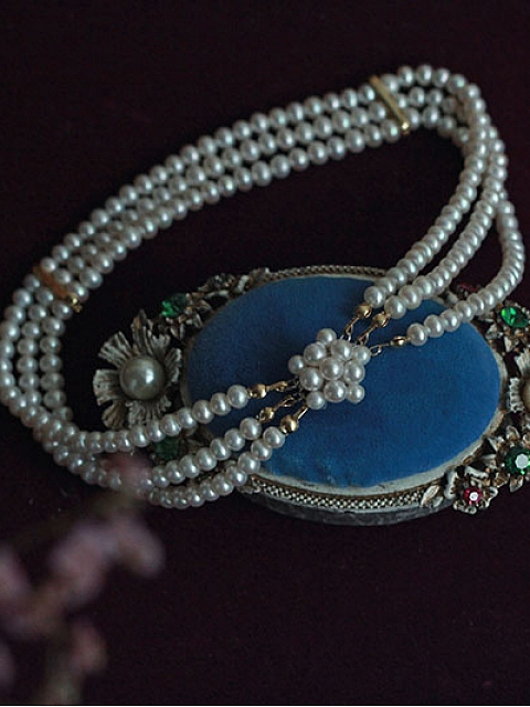 Diana Spencer Inspired Handmade Natural Pearls Triple-layer Choker by 1950s