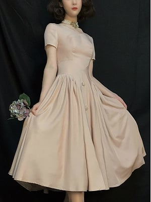 Vintage Ivory Dress with Defined Waist