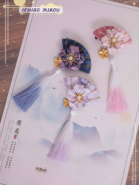 Cherry Blossoms and Water Lights Folding Fan Hairclips Set by Strawberry Witch