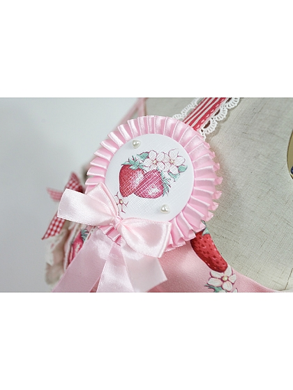 Rose's Valley Strawberry And Bunny Collection Matching Medal