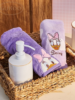 Disney Authorized Daisy Duck Shower Cap by Gukoo