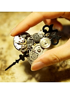 Handmade Steampunk Vintage Metal Gear Pointer Heart-shaped Arrow Brooch by Mr Yi's Steamland