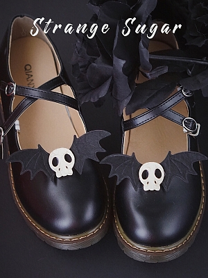 Bat Skull Shoe Clip by Strange Sugar