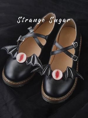 Bat Eyeball Shoe Clip by Strange Sugar