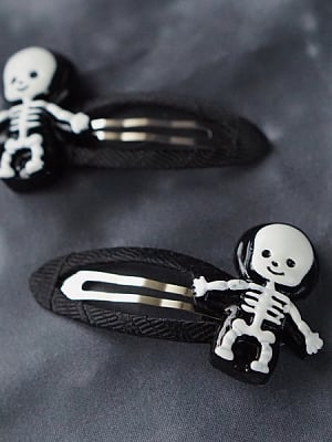Handmade Resin Skull Hairclip by Strange Sugar