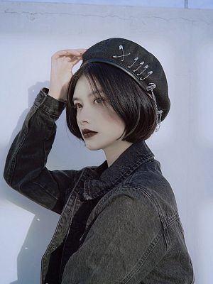 Elegant Beret Decorated with Pins Chain by Strange Sugar