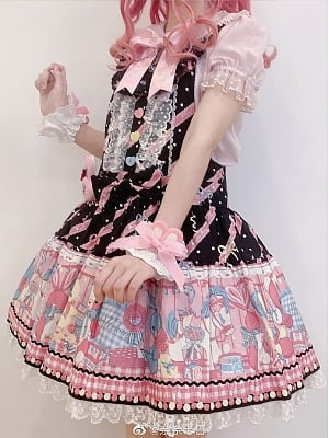 Strawberry Bunny Lolita Stockings Matching Flounce Legwears / Wristcuffs by Yukines Box