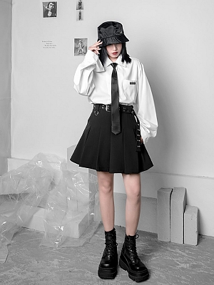 Punk Black Pleated Skirt with Waist Belt by YUBABY